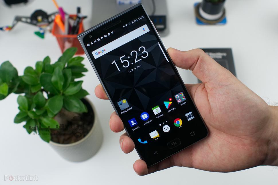 هاتف BlackBerry motion
